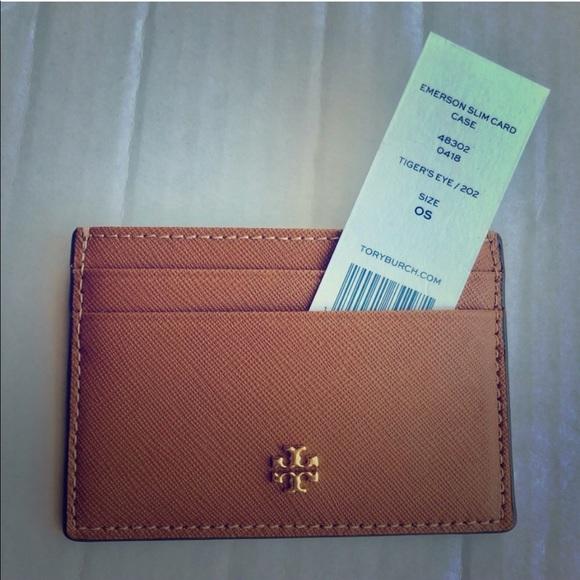 13677b001f221 Tory Burch card holder